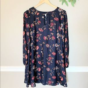 CUPCAKES & CASHMERE Blue Floral Long Sleeve Dress